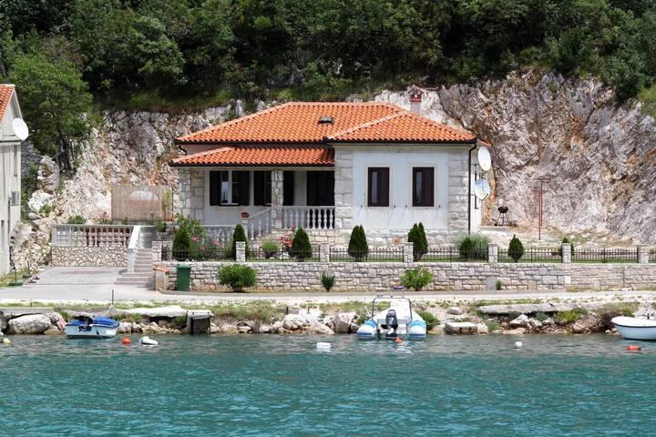 Two bedroom house with terrace and sea view Plomin Luka, Labin (K-7466)