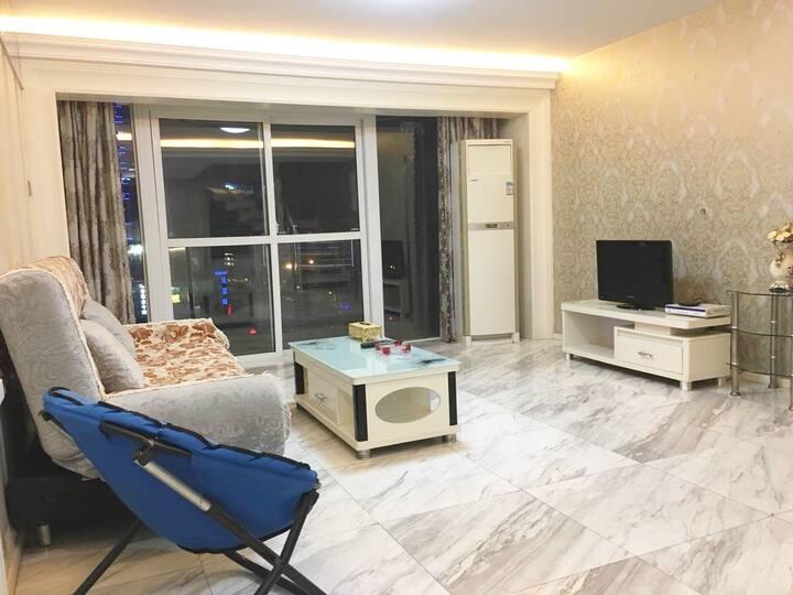 纽豪斯公寓-武汉黄陂广场一室一厅精装复式