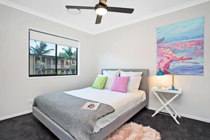 Lovely room in Heart of Clayfield - Clayfield - บ้าน