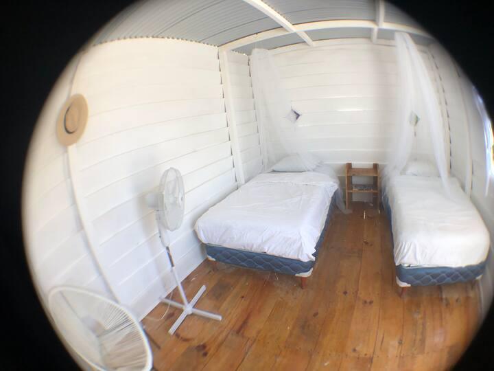 Maha Dreams Cabañas Eco-Chic #3 *twin beds*