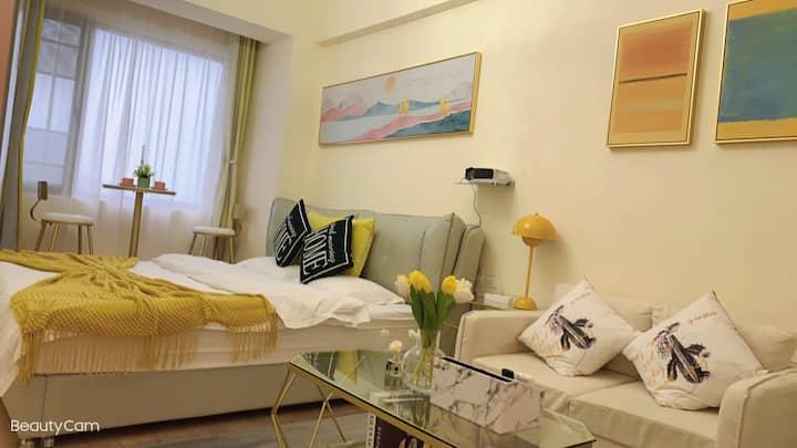 【融遇】悦诗风吟.北欧铁艺风.巨幕投影.湖景大床房.可做房公寓.对着白马湖和喜来登.文理学院