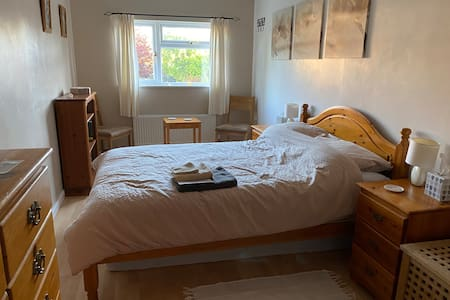 Large double room - sleeps up to four people