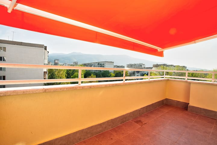 Sunny Apartment with great view towards Vitosha Mt