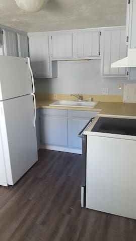 2BD, 1 Bath Basement Apartment