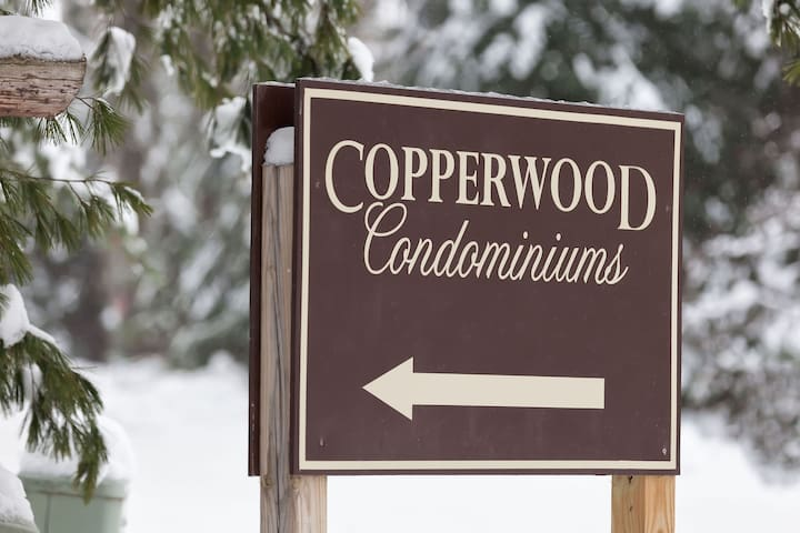 *NO GUEST SERVICE FEE* Copperwood #17