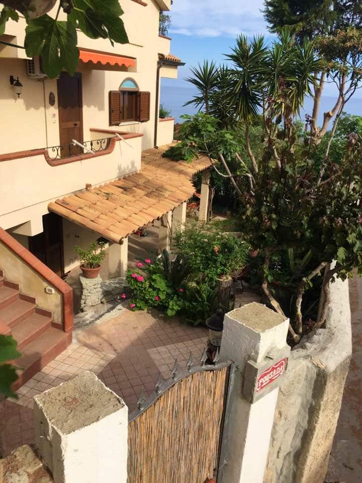House with 2 bedrooms in Provincia di Vibo Valentia, with shared pool, terrace and WiFi