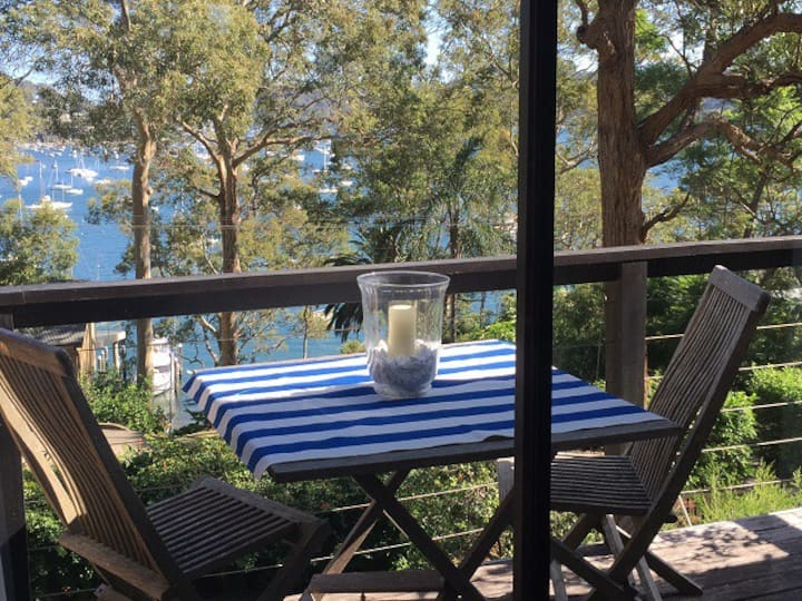 Refuge Cove On Pittwater With Views