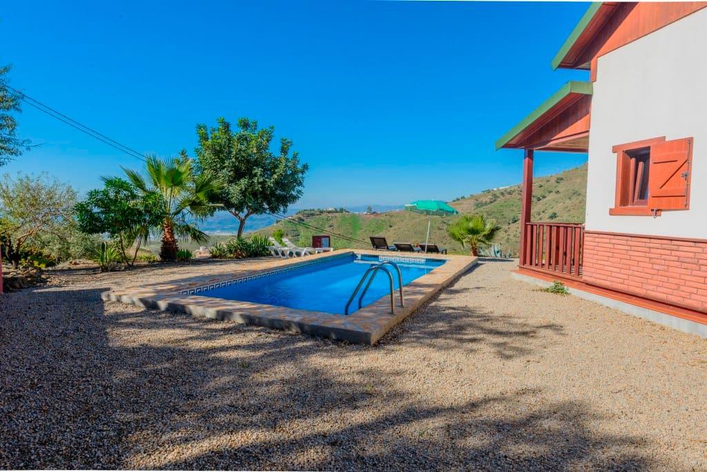 Maison avec piscine priv e aries maisons louer for Maison a louer avec piscine en espagne