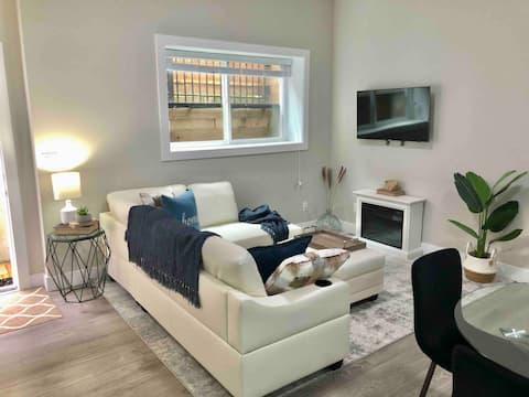 Beautiful brand new 1 bedroom suite!