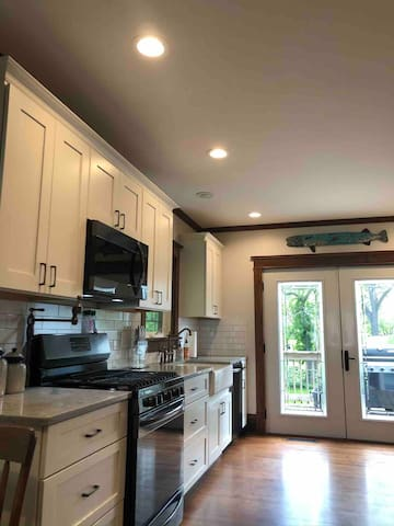 Library District Executive Home -  4 Bed/2Bath