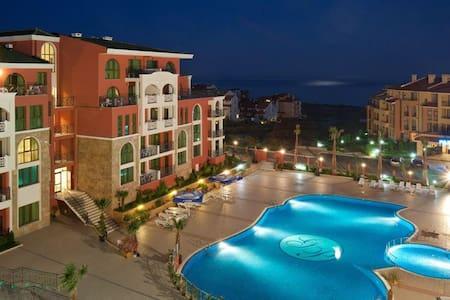 Прекрасный отдых - Sveti Vlas - Apartamento