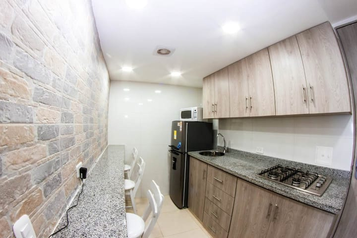 502-1 Apartamento Lujoso, Económico