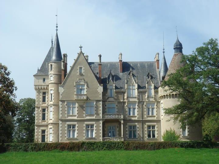 Un séjour hors du temps au Château du Lonzat