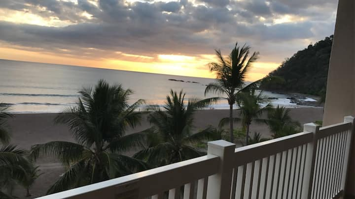 Gorgeous Oceanfront Condo with Stunning Views!!!