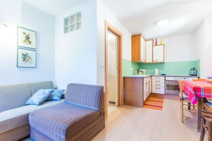 cucina, camera matrimoniale, bagno tv piano terra