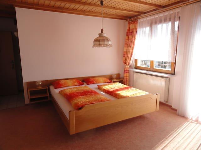 Gästehaus Bettina, (Sipplingen), Doppelzimmer mit Dusche und WC
