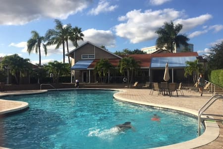MONTHLY SPECIAL only $45 a night!! - Boca Raton