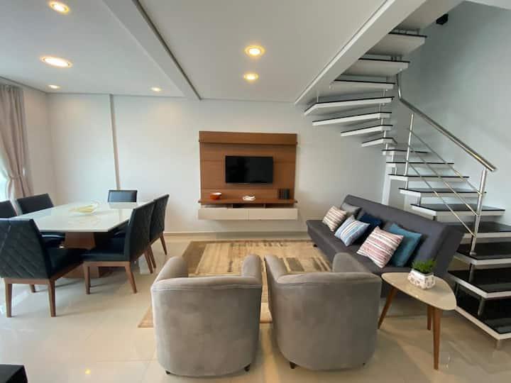 Apartamento com vista e localização privilegiada!