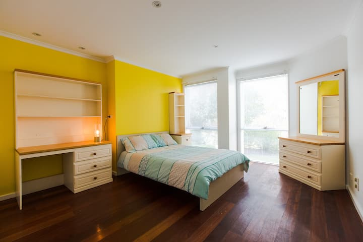Nelly's EcoHouse: Standard Double Room