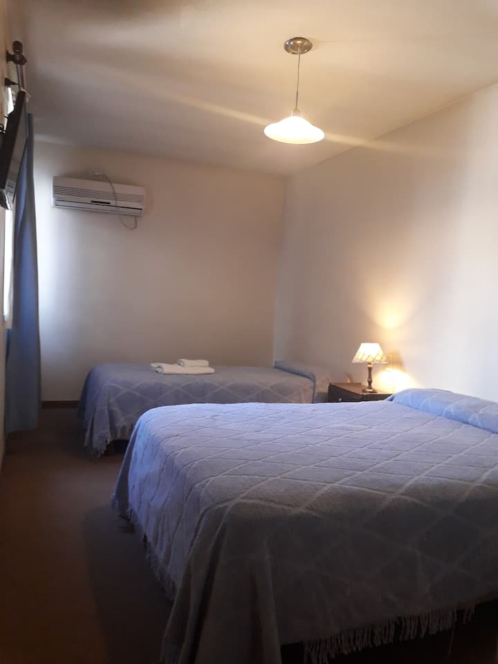 Habitación p estudiantes 1 o 2 pers. Estilo Hotel.