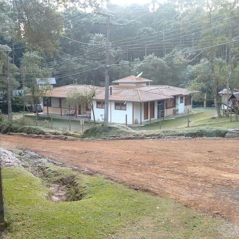 A SUA CASA NA MONTANHA - Monte Verde - Casa