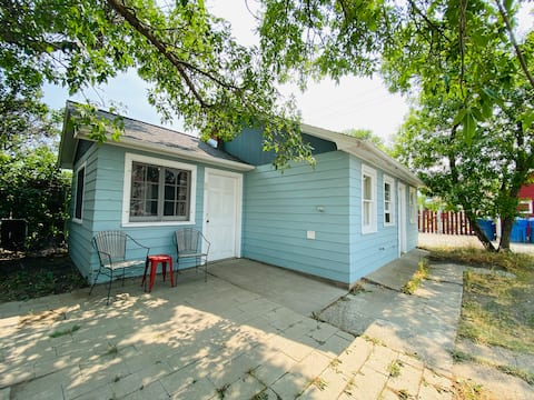 Quaint Carriage House in the heart of Livingston