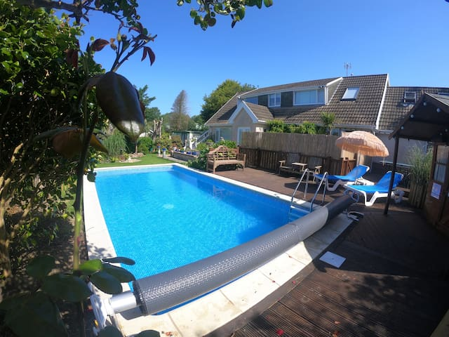 Beautiful apartment with private pool near Tenby