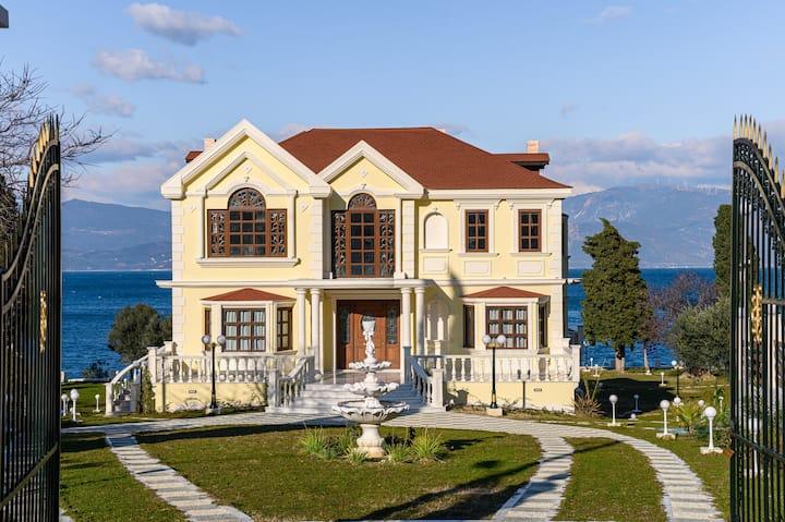 OIKIA FILOXENIA, Villa by the beach