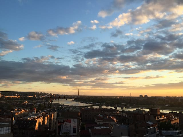 LUX PENTHOUSE WITH BEST VIEW,CITY CENTER,PARKING - Beograd - Daire