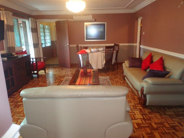 Westlands Fully Furnished And Serviced Apartments - Nairobi - Daire
