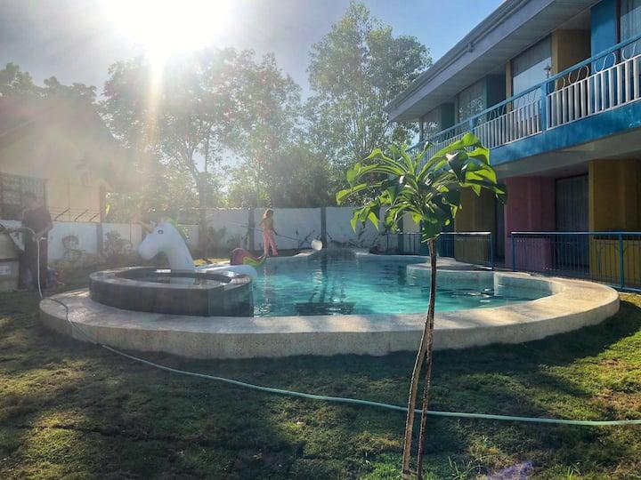 Francisco resort,Double-bed room,free wifi,附近alona