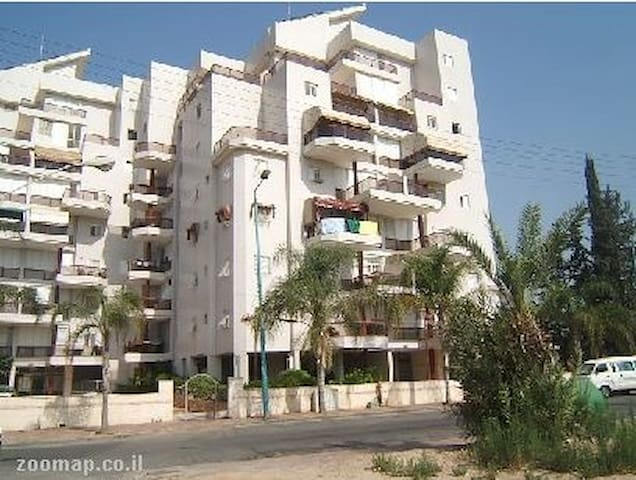 room for rent in a new building - Ramla - Daire