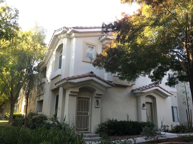 Whole Private Beautiful Property  Summerlin - ลาสเวกัส - อพาร์ทเมนท์