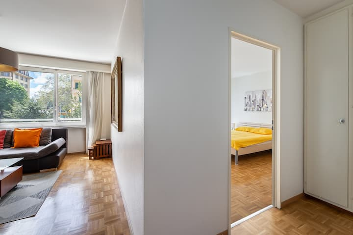 Stylish Furnished Apartment for a Flexible Period