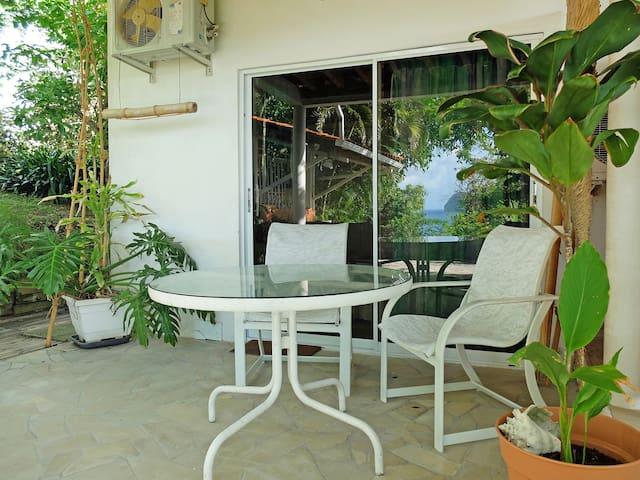 Studio Bamboo with pool & garden
