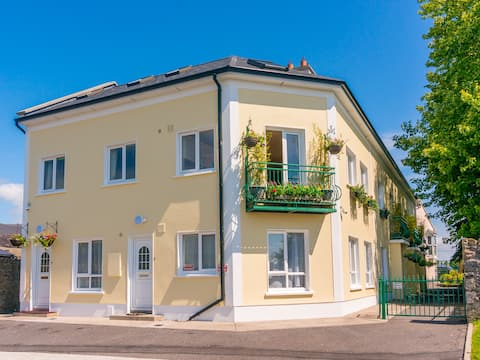 Carrick on Shannon Waterfront house