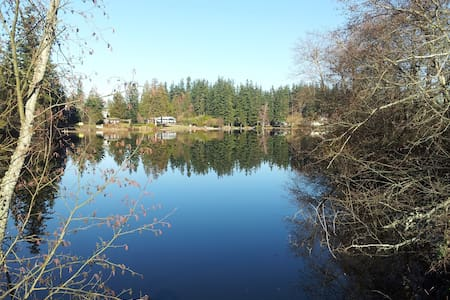 Waterfront Home, Three Boats,  Dock, Hot Tub - Stanwood