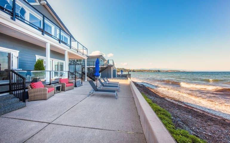 Luxury Oceanfront Suite #4