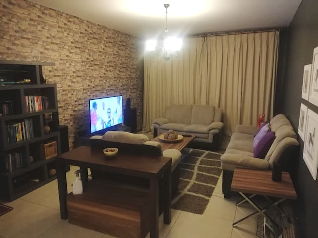 Homely cozy apartment, close to social amenities