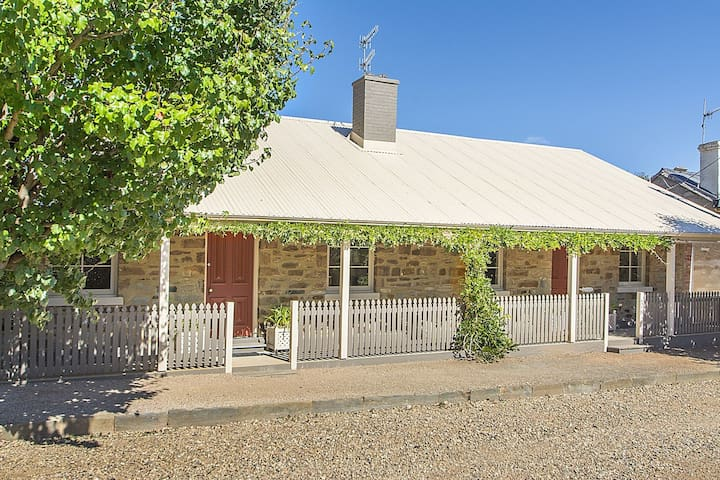 Bon Accord Hotel Cottage 18 Taylor Street Burra