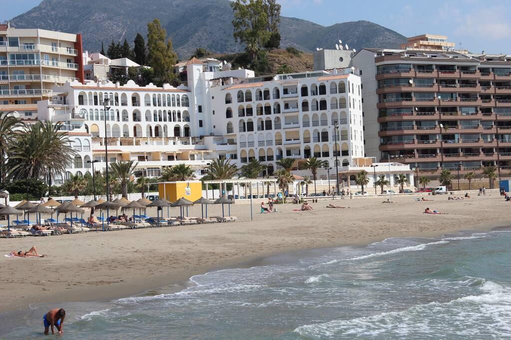 Vistas de la urbanización a pie de playa.