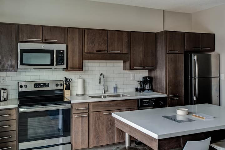 NEW Luxury Apartment in Downtown Des Moines