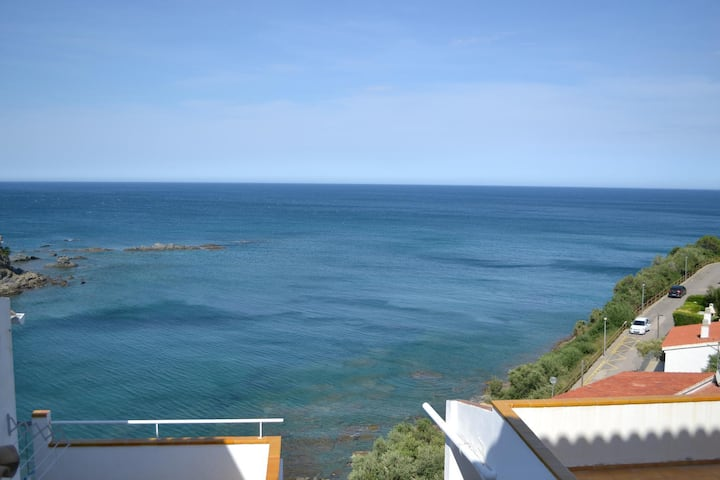 Great apartment whit panoramic sea views terrace.