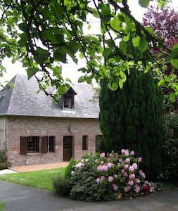 La petite maison dans la prairie - Calvados - Hus