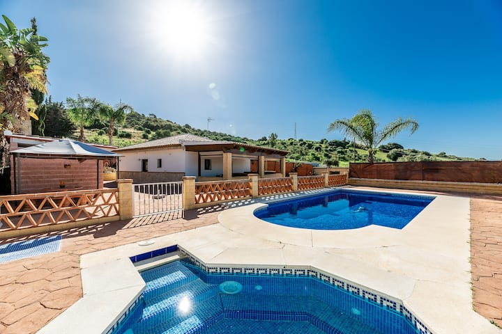 Picturesque Valle Romano Golf 3 BDR private house