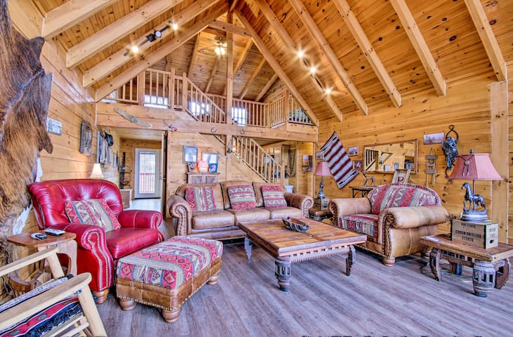 NEW! Large Cabin w/ Deck Overlooking Norfork Lake!