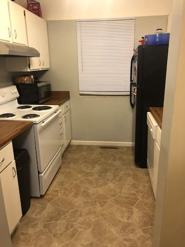 Great space close to downtown & campus!