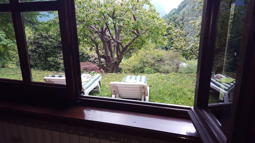 Henry's open space -Lago di Como