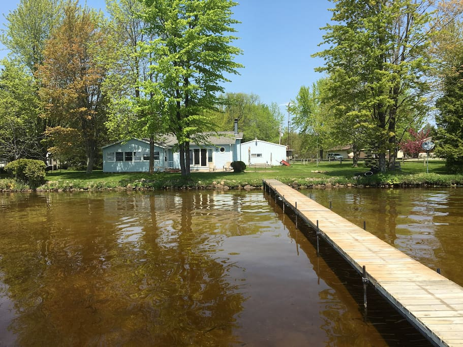 Lakefront cottage on lake noquebay cabins for rent in for Fishing cabin rentals wisconsin