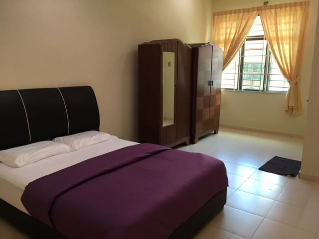 Spacious & Cozy Homestay